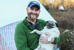 Celebrity Dog approved! Doug The Pug hanging with Patrick at Dome 1 :)
