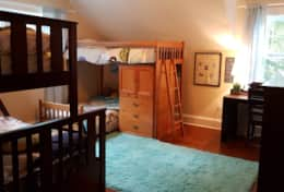 Fourth bedroom with two bunkbeds.