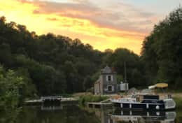Lehon lock with sunset