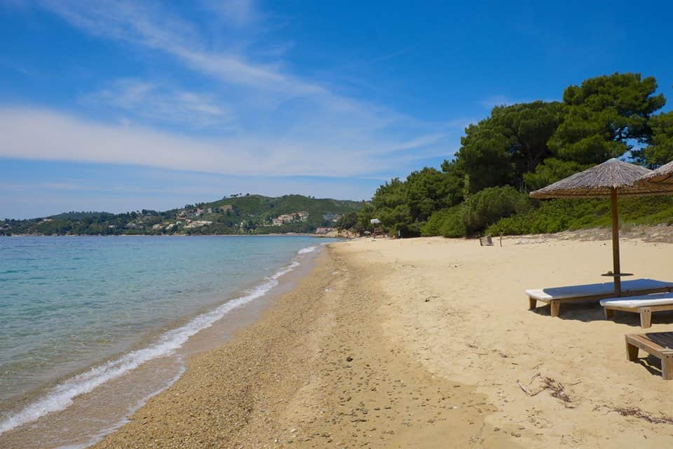 Vromolimnos Beach: Just 3 Min. from Villa Maestrali: With Lovely Taverna