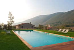 Villa-with-big-pool-Murlo-Camelia