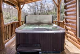 Hot tub on the deck of Creekside