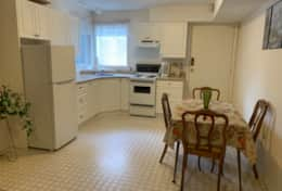 Fully equipped kitchen and eating area