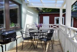 K61 Harper Cottage – Veranda with outside seating & barbecue