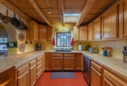 Fully equipped kitchen for family gatherings and home cooked meals