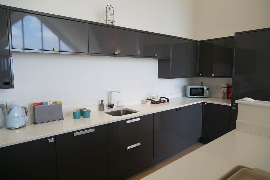 Kennack Heights kitchen units and worktop