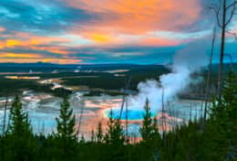 Upper Geyser Basin in Yellowstone Park