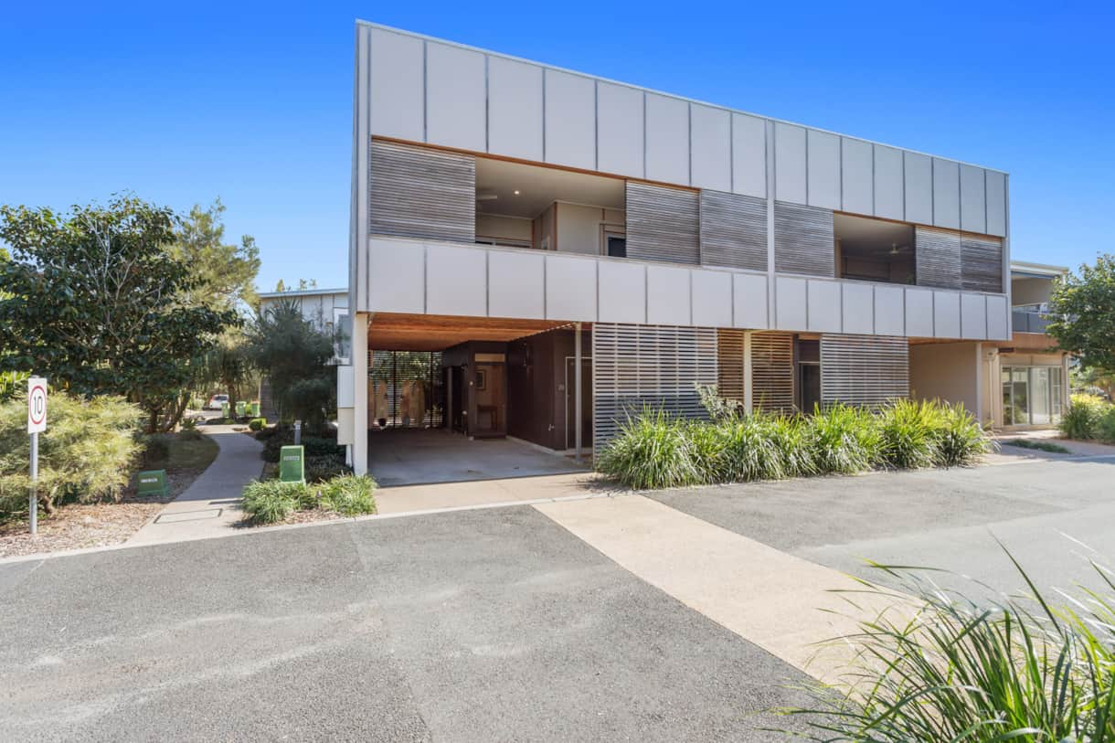 Outside view of Banksia Beach House