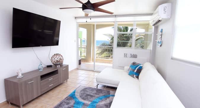 9 Beachfront Penthouse: 4BR, 3BA at Jobos Beach, PR - Apartment