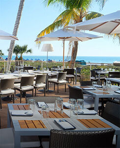 Restaurants on the water on Marco Island
