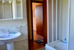 Casa Vignone, upstairs bathroom