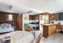 Bungalow for 5 extra here - note no bedding is supplied - Dalmuir Homestead Holiday House Dromana
