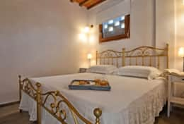 Accommodation-in-Tuscany-Pisa-Villa-Ai-Cipressi (6)