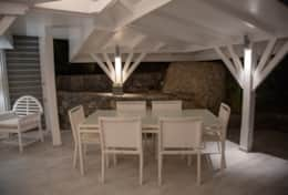 stbarth-villa-belroc-outdoor-living-area-dining-c