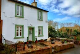 Pet friendly lake district cottage in lovely village setting