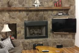 living area, gas fireplace