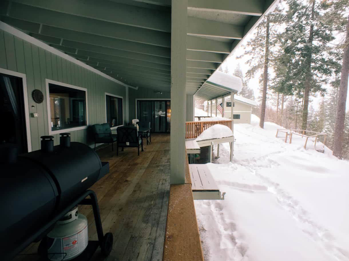The Lakeview Retreat Winter Deck - Leavenworth, WA (3)