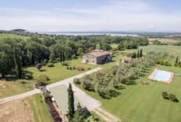 Casale Trasimeno, agriturismo between Umbria and Tuscany