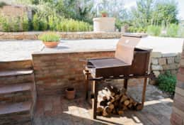 Traditional wood or charcoal grill