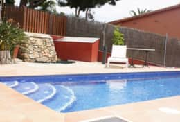 LA LLEVANTINA Pool area