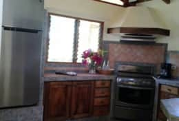 Mango_Cottage-kitchen-1