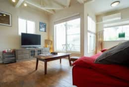 Living space- tv, apple tv, dvd player River House| Tokyo Family Stays |Spacious