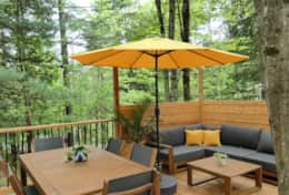 Outdoor Dining & Lounge Space