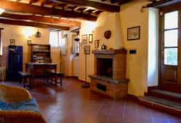 Mangiatoia, kitchen and living room
