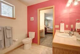 Master bathroom (en suite)