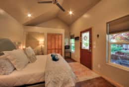 Moab Nightly Rentals Wisteria Cottage Interior