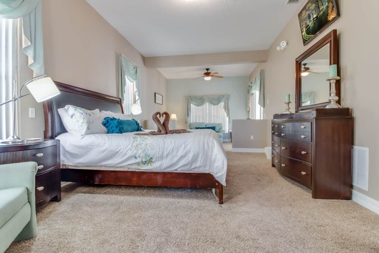 Master Bedroom with King (main)