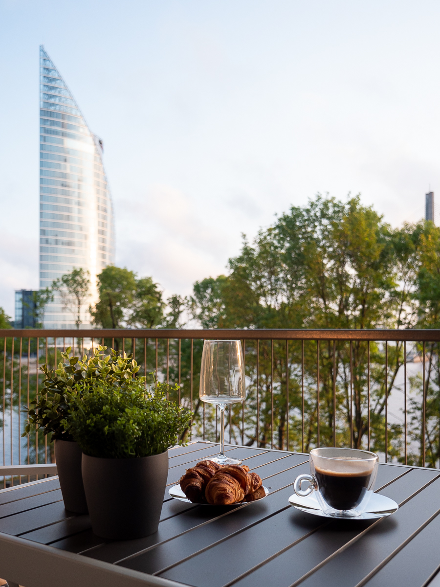 The-Klive-Riga-Presidential-Suite-Breakfast-on-terrace