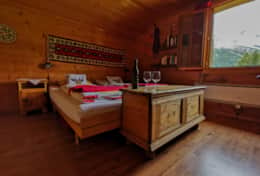 Chalet Schliechten - Double Bedroom with Sink (4)