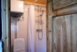 M07_Bjorn_Cottage-Bathroom
