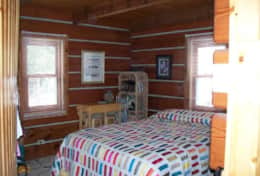 Bayside Log Home Queen Bed