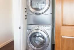 Luxury-Hood-Canal-Vacation-Rental-hood-canal-resort-washing-machine-beach-rental-alderbrook