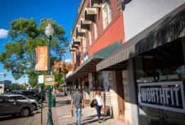 A bustling downtown with boutiques, restaurants & tasting rooms is at your door.