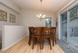 5  Formal dining area