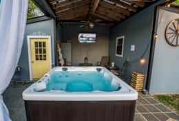 Hot Tub with TV