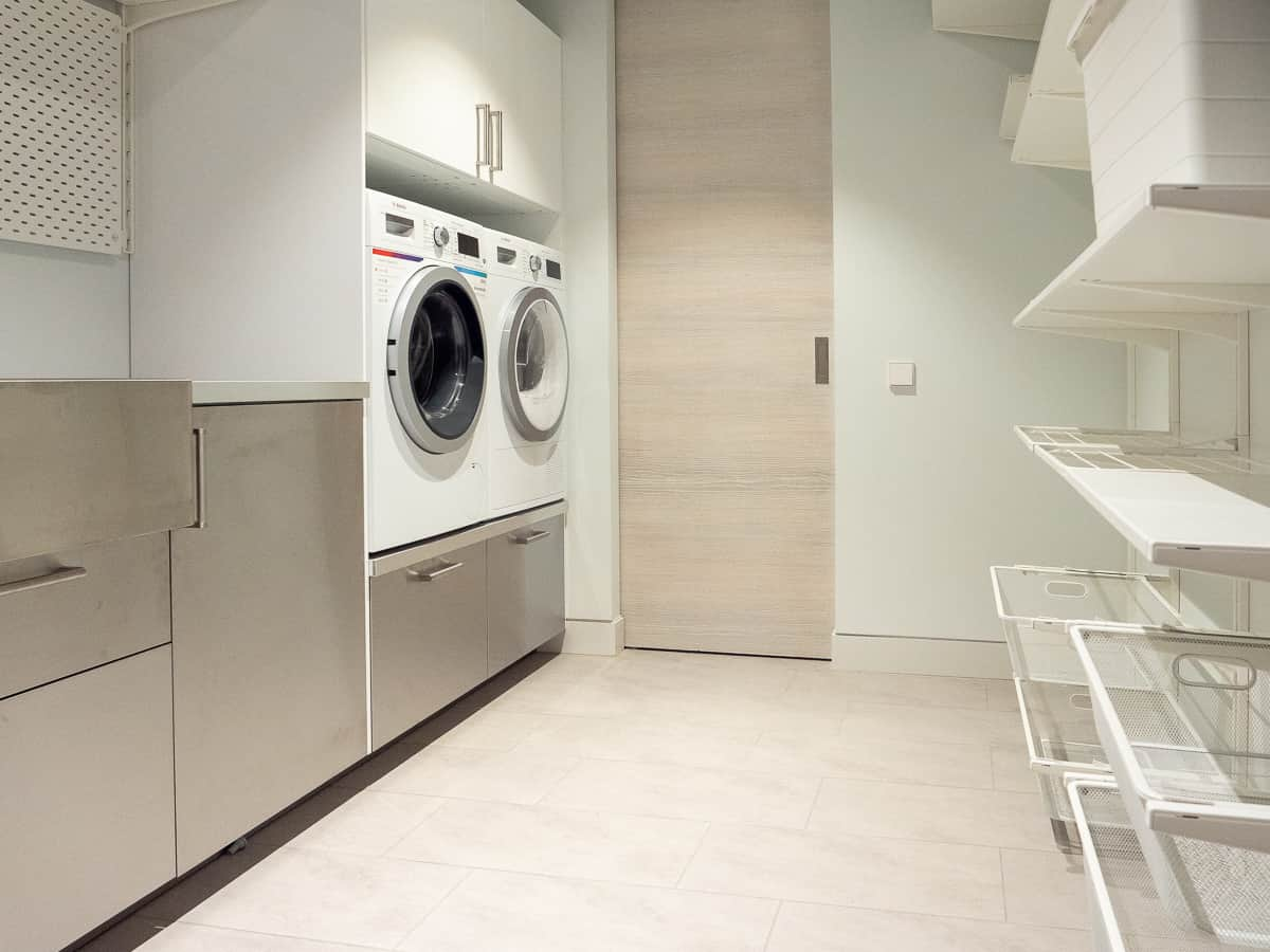 The-Klive-Riga-Laundry-Room-Washer-Dryer