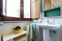 Bagno Bathroom #2 - Camera #2 CARRUBO - Room #2 CAROB TREE A03_esagonomonello