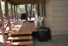 cabin 7 covered porch-patio comes with gas grill