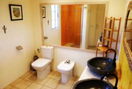 House Perseidas - Private bathroom of double bedroom