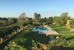 Le More - view over the pool enclosed by its garden - Spongano - Salento