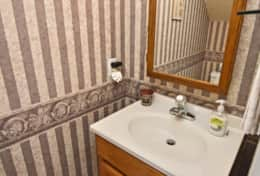 14 Downstairs Half Bath-002