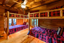 Waynesville Smokies Overlook Lodge Cabin - Kids Room Bunk Beds