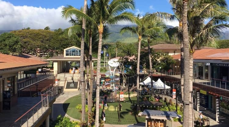 Whalers Village, Ka'anapali Royal just behind Village