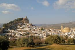 At about 1h from Pinos del Valle by car the picturesque village of Montefrio is welcoming you.