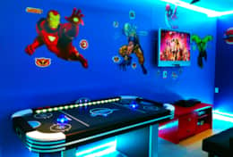 Super Hero Games room