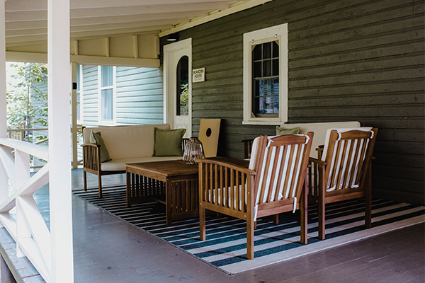 boardinghouse shared porch